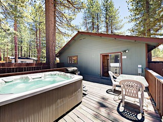 3BR w/ Prime Location, Deck & Hot Tub