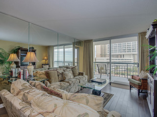 SOUTH HAMPTON 503 2BR 2BA OCEANVIEW