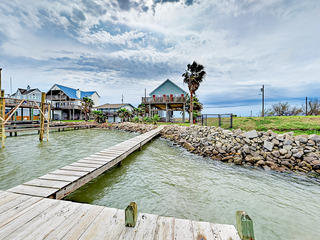 Galveston Beach House w/ Dock