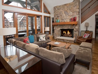 Lavish 3Br 3.5Ba Bachelor Gulch Condo Steps to Lifts