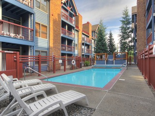 2Br/2Ba Retreat- Stroll to Winter Fun + Downtown Breck