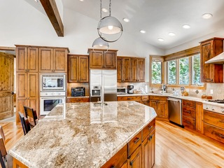 Luxurious 4Br Mountain Home~No Cleaning Fees~Kids ski free!