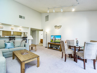 Palm Desert Resort CC Gated 2BR/1.5BA Condo comm pool/ jac