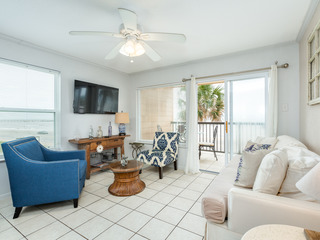 Maravilla Condo with Beach Views