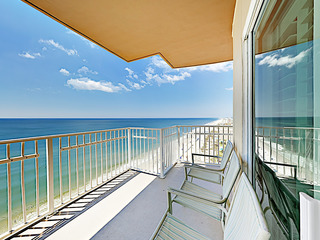3BR Beachfront w/ Amazing Sunset Views
