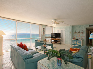 FREE BEACH SETUP 2096 Beach Front 3 Bdrm Vacation Rental