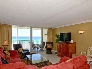 2064 Shoreline Towers Spacious Beachfront