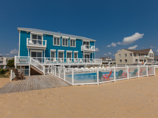 Blue Dolphin (11 Bedroom home)