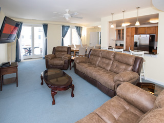 A323 Blue Lagoon (3 Bedroom condo)