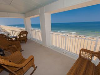 A408 Sea Serenade Penthouse