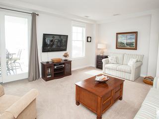 B321 Pelican View (2 Bedroom condo)