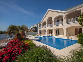 Villa Key Largo (8 Bedroom home)