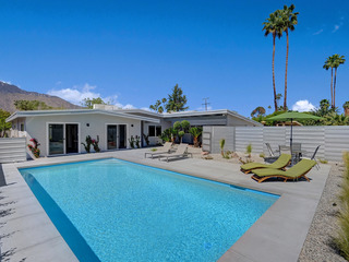 805S Palm Springs Home - image
