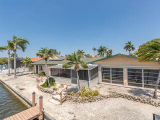Waterfront 3BR w/ Private Dock