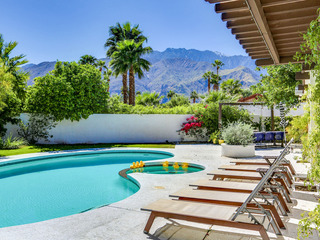 3BR/2BA El Encanto Pool/ Jacuzzi in Palm Springs