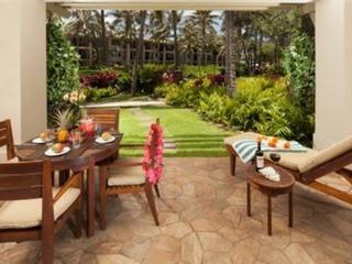 Beachfront Ocean & Garden View Beach Level by Pool & BBQs 3-Bed Villa 115