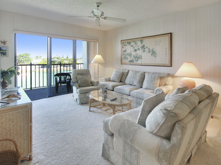 Land's End #305 building 4- BAY Front with PRIVATE Balcony!!