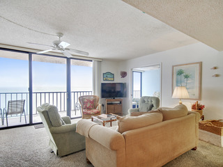 Trillium 5B Beach Front with Private Balcony/Amazing Gulf Views!