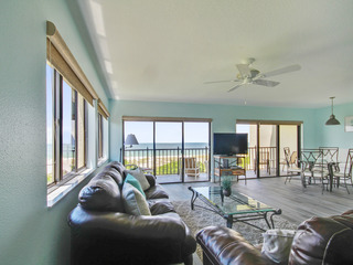 Land's End #401 building 7- TOP Floor/Corner Unit/BEACHFRONT