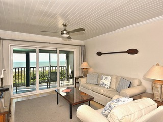 Land's End #403 building 8-Top Floor/Beachfront/Totally UPDATED