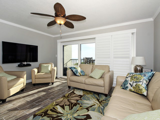 Land's End #306 building 7- BEAUTIFUL Updates/Beachfront Condo!