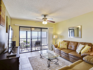 Land's End #403 building 9- Nicely Updated / Beachfront Unit