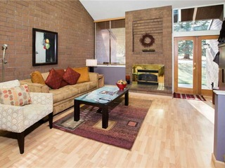 Park Avenue Condominiums - Standard 2BR,2.5BA (Silver) - image