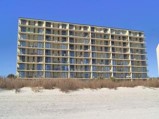 Beach Club 5C