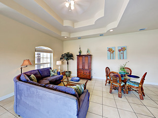 2BR Condo w/ Pool, Near Beach
