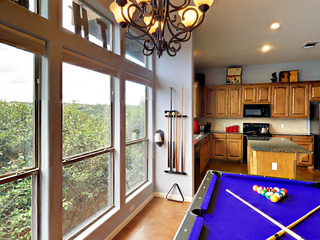 3BR w/ Deck, Near Lake Travis