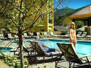 Create Memories @ the 2Br Plus Den Ritz-Carlton Luxury Condo