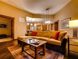 Trailhead Lodge 5109