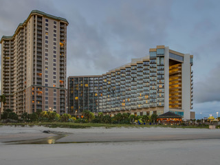 ROYALE PALMS 2405 EFF/1BA OCEANVIEW