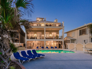 """Casa Grande""- Beach Front- Private Pool- Pool Table"