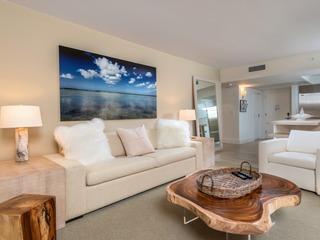 Luxurious Condo Hotel 1/1.5 Beachfront Unit 1010