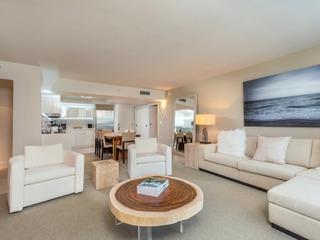 Luxurious Condo Hotel 2/2.5 Beachfront Unit 1015
