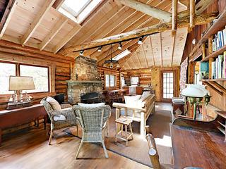 2BR Vintage Sprucewold Cabin