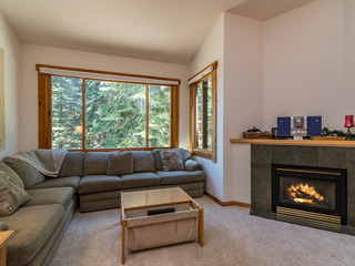 4044 Ski View Condominium