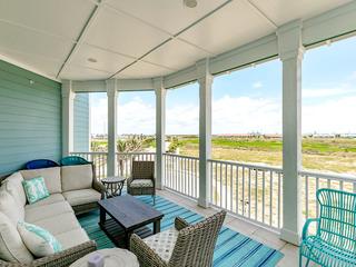 4BR w/ Gulf Views, Beach Boardwalk & Pool