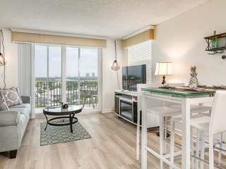 Renovated 1BR Condo w/ Beach Views