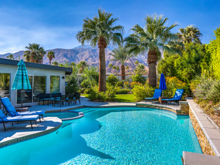 4BR/3BA Contemporary Pool/Jacuzzi in Palm Springs