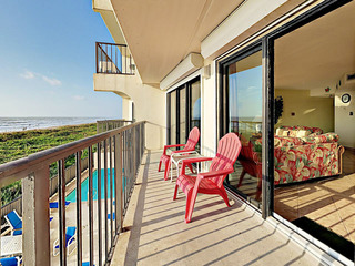 2BR Absolute Oceanfront w/ Balcony
