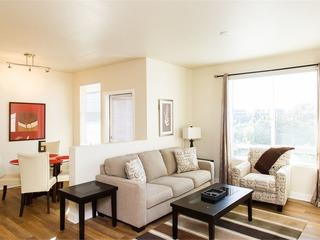 Jamboree Apartment #873905