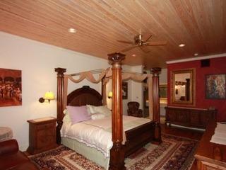 Friedhelm's Bavarian Inn Roaring 20's Suite