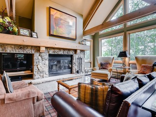 Slopeside Living- 3Br 4Ba at Pines Lodge