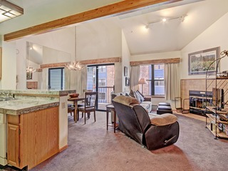 Downtown Breckinridge Studio with Master Loft sleeps 4