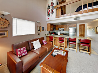 1BR and Spacious Loft Near Ski Lifts