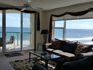 Luxurious Beachfront W/ Jacuzzi Tub. Ocean Views! DTT #1108