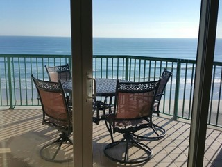 Newly Renovated Direct Oceanfront Condo DTT #702