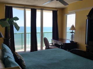 Direct Oceanfront Luxury Condo, See the Ocean from Bed! DTT #904